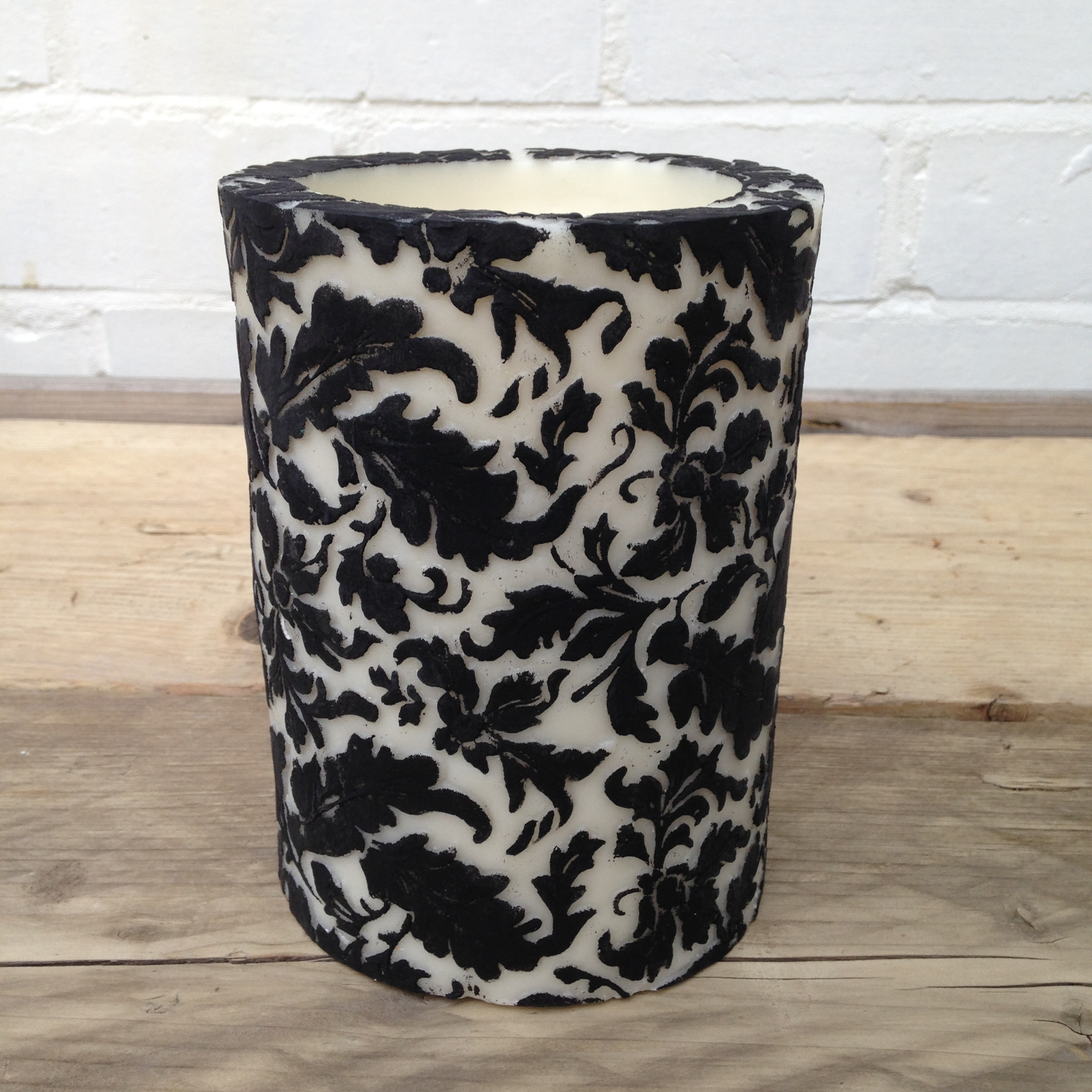 The Damask pillar candle, an elegant addition in your house!