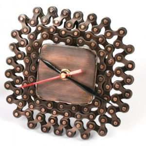 Clock recycled bike chain