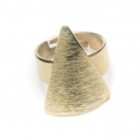 triangular brass ring