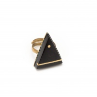 Triangular brass ring, horn with brass inlay